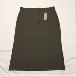 NWT Avenue Olive Skirt sz 22/24
